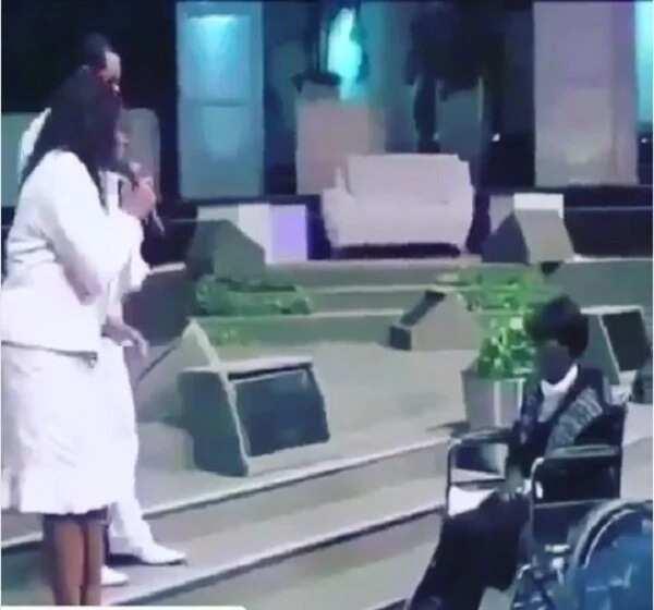 Popular gospel singer recalls how her singing helped heal a woman in church