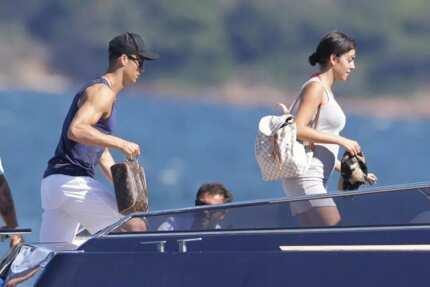 Is stunning Cristiano Ronaldo's girlfriend pregnant? (photos)
