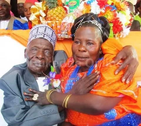 30-year-old woman marries 100-year-old man